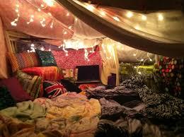 comment faire une cabane dans sa chambre se divertir simplement les cabanes en couvertures