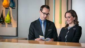 hotel front desk jobs nyc hospitality career programs omni hotels resorts