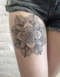 les plus beaux tatouages homme 16 magnifiques idées de tatouage de rosace