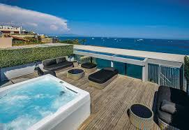 jacuzzi bois exterieur pour terrasse un week end romantique avec son jacuzzi rien qu u0027à soi room5