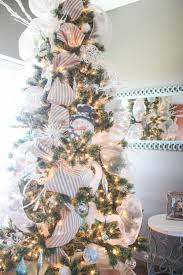 how to decorate a christmas tree from start to finish the easy