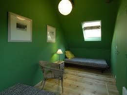 chambre verte gite de la cascade en aveyron la chambre verte et la salle de bains
