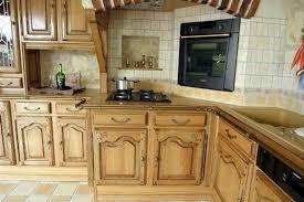 cuisine legrand modèle de cuisine classique en bois de la marque legrand avec mur