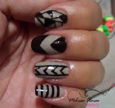 figuras geometricas uñas diseño de uñas geométrico con esmaltes neutros