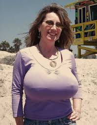 huge boobs in Tight blouse amateur kevin-zalokar.info