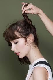 megan boone backward flow haircut 3 wildly different ways to style a shag haircut refinery29