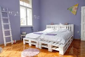 chambre a coucher 2 personnes diy bricolage meuble palette bois chambre coucher adulte lit 2