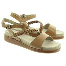 hush puppies ladies giovanna sandals in in tan