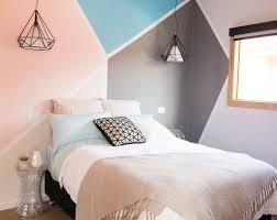 peindre les murs d une chambre déco chambre créer une tête de lit en peinture originale côté