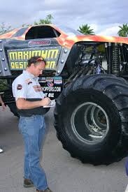 how long does the monster truck show last tom meents wikipedia