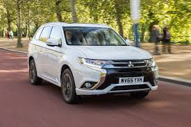 outlander mitsubishi 2018 2017 mitsubishi outlander phev first look review