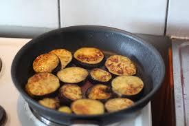 cuisiner aubergine a la poele recette moussaka grecque cuisine grecque