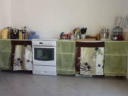 rideau meuble cuisine des portes en tissu pour les placards de la cuisine le