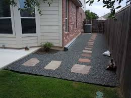 Low Budget Backyard Landscaping Ideas Backyard Landscaping With Gravel Ideas Photograph Above Is