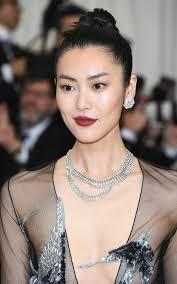 gala earrings liu wen wore diamond earrings and a diamond fringe necklace chic