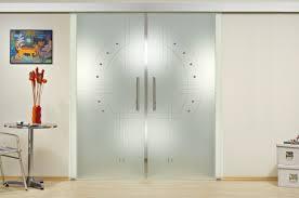 porte coulissante pour chambre quelques idées de portes coulissantes en verre pour votre futur