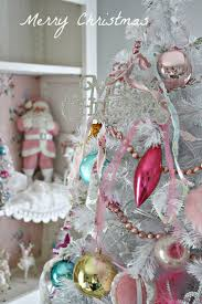 Shabby Chic Christmas Tree by Best 25 Vintage Pink Christmas Ideas On Pinterest Pink