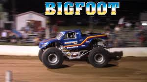 bigfoot monster truck st louis the bigfoot monster truck u0027s freestyle at buck motorsports 8 26
