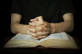 how to pray the living hour