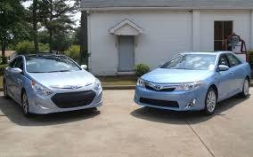toyota camry hybrid vs hyundai sonata hybrid hyundai sonata hybrid vs toyota camry similar equipment
