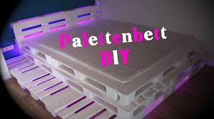 Schlafzimmer Bett Mit Led Palettenbett Mit Led Beleuchtung Diy Jbtv Youtube