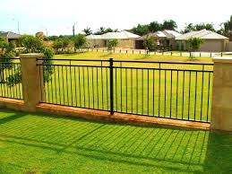 Small Backyard Fence Ideas Patio Ideas Outside Dog Fence Ideas Backyard Fence Ideas