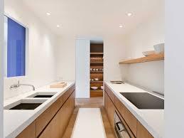 plans cuisine comment aménager une cuisine en longueur types avantages et astuces