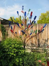 the history of bottle trees is pretty interesting very cool