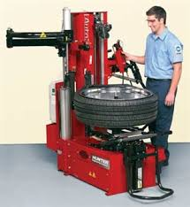 Motorcycle Tire Machine And Balancer Tire Mounting Equipment Retail Modern Tire Dealer