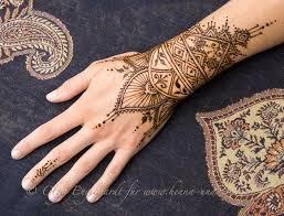 více než 25 nejlepších nápadů na pinterestu na téma henna tattoo