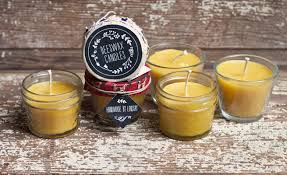beeswax candles gift favor ideas from evermine