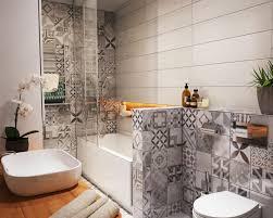 deco salle de bain avec baignoire salle de bains avec wc 55 idées de meubles et déco