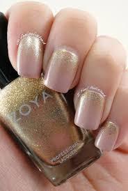 19 festive nail ideas for gold glitter manicure