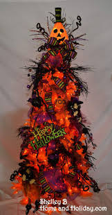 Halloween Tinsel Garland by 93 Best Halloween Trees Images On Pinterest Halloween Trees