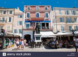 seafront shops and restaurants saint tropez cote d u0027azure