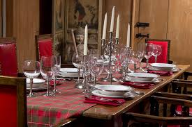 set table to dinner striking 12 how to arrange your home for a new year s party in 12