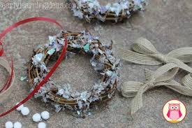 crafts for wreath ornaments early