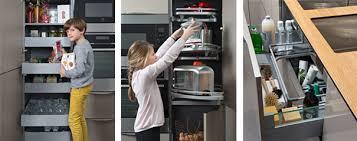 tiroir de cuisine sur mesure colonnes de rangement et tiroir sous évier kitchen