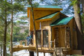 vermont tree cabin waterford vermont treehouse rental