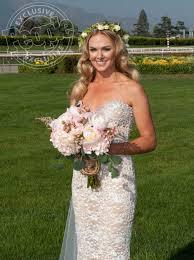 laura bell bundy wears sherri hill wedding gown