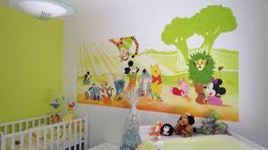 fresque chambre bébé fresque personnages disney pour chambre d enfant peinture bébé