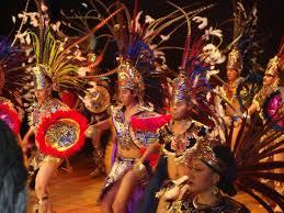 imagenes penachos aztecas trajes aztecas concheros trajes prehispanicos danzas aztecas