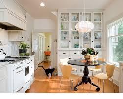 bungalow kitchen ideas 79 best bungalow interiors images on bungalow