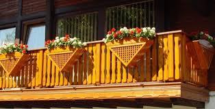 balkonske ograje iz lesa svetovanje prodaja