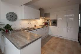 plan de travail cuisine blanc laqué cuisine bois et blanc laque blanche plan de travail homewreckr co