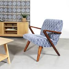 fauteuil design tissu fauteuil design en hêtre et tissu bleu imprimé géométrique made