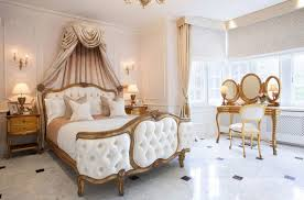 Martinkeeis Me 100 Royal Bedroom Furniture Images Lichterloh Marble Floors In Bedroom