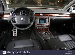 volkswagen phaeton car vw volkswagen phaeton limousine luxury approx s model year