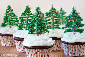 christmas chocolate chocolate christmas tree cupcakes with cheese frosting
