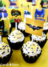 batman cupcakes with free printable toppers